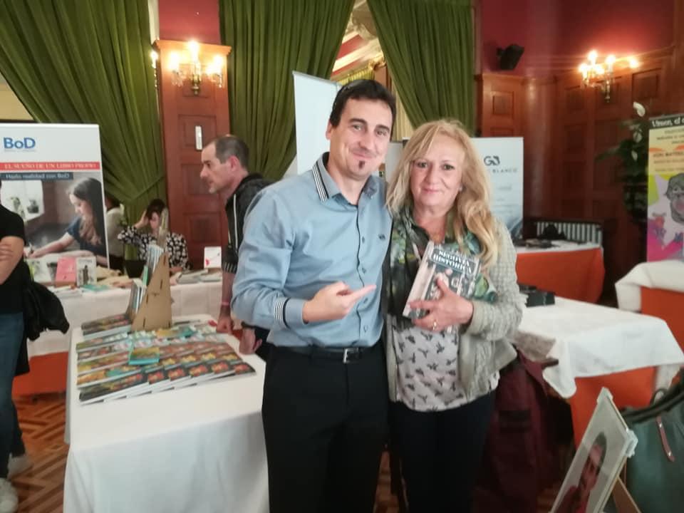 Con mi amiga y artista Clara Torres